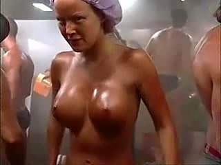 Spraytan in bathroom
