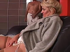 Lusty cougar can take his cock deep