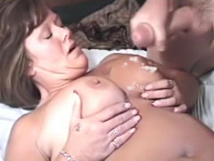 Mature bitch spreads her pussy fingered and banging