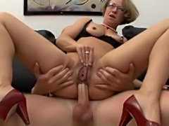 Slut mom in glasses gaping pussy fucked on the couch