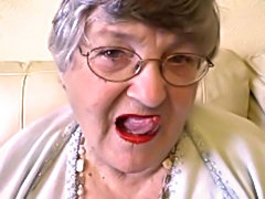 Grandma Gives a Lipstick Blowjob
