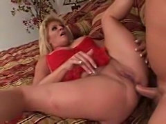 The tempting mature wants anal sex