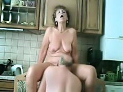 Grannyma and grandpa kitchen sex