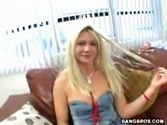 Amateur Slut milf takes a ride on thick cock