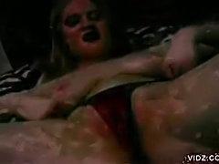 Blonde, voluptuous slut Jessica Wild masturbates
