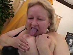 Fat mature blonde fucked in her hairy pussy
