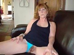 Mature women spreading 6  free