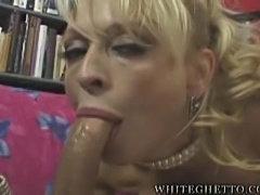 Glamorous blonde milf suck and facial