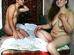 Chubby girlfriernd filmed fucking in bed