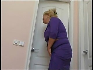 Mom heard some strange noise from bathroom  free