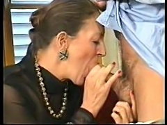 Older babe takes cock after taking notes