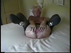Granny models her welcoming pussy hole