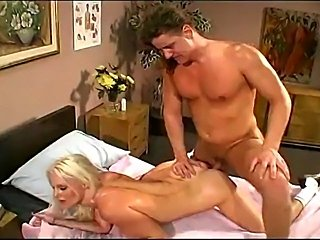 Great scene of blonde super hot bodied MILF.