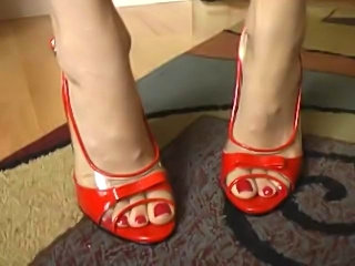 Watch me jerk Steven off into these sexy heels