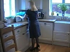 slut english milf in blue fully fashioned stockings fingering her pussy