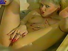 Piss: Classic Piss in her mouth hot-blonde