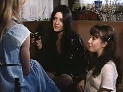 Podrias Con Cinco Chicas A La Vez Lesbian Scene