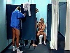 Argus Im Tittenpensionat (1989) pt4