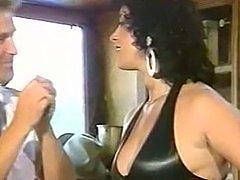 Elodie Cherie  Les lolos de la Garagiste