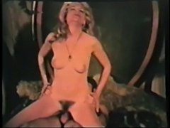 Vintage: 70s Couple get it on