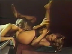 Lilly Marlene & Ronnie Dickson - Lesbian passion pit