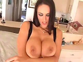 Carmela Bing showing off her BJ skills, Enjoy!