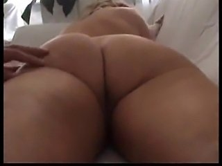 Enjoy this big and hot mature ass