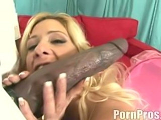 Slutty Phyllisha wants every inch of huge black cock