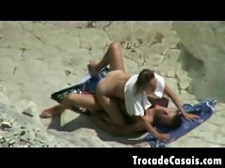 Couple make sex on a nudism beach - amador casal transando n free