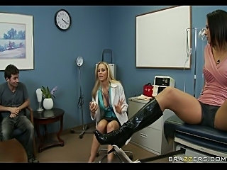 Dr. Julia Ann tries new orgasmenhancing cream on rachel Starr's pussy lips