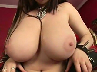 Sloppy BBW Big Tits masturbates with Dildo