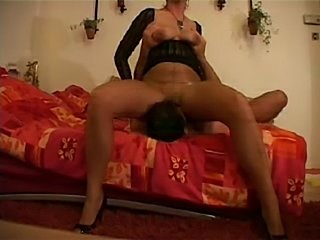 This older age nicie gets laid with youngster