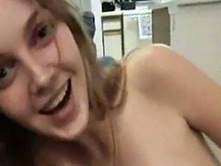 Bubbly Girlfriend is Loving it on Sex Tape