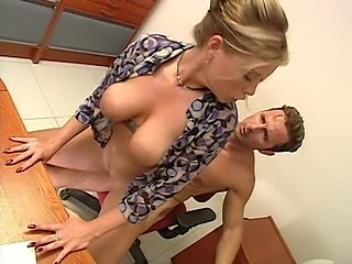 Fantasticly hot Krystal De Boor shagged fast