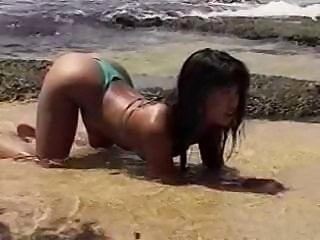 Leanni Lei Laid in Hawaii