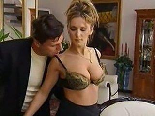 Sara Nice Secretary