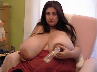 Serenitu big boobs pump milk
