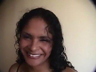 Andrea- morena del callao-atiende a turistas empresrios solv free