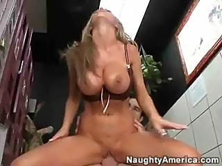 Nikki Benz - Hops On A Cock On The Toilet