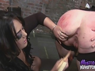 Mistress Jemstone meets ultimate girl submissive EmmaSeleste. She claims to...