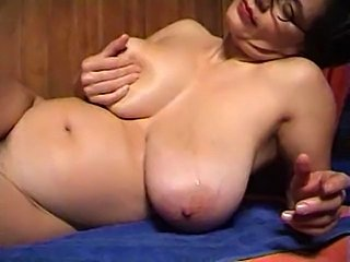 Great solo scene with Tina rubbing her beefy pooch.