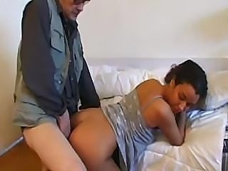Old kink gives young Arab hoochie a proper hard pussy fucking