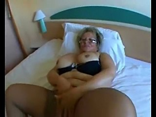 MATURE MILF BLONDES  PERFECT