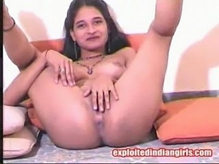 Tina - naked indian slut fingering  free