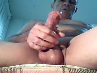Hot man and her skilful fingers delicious
