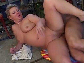 porno-filmi-smotret-pro-zrelih