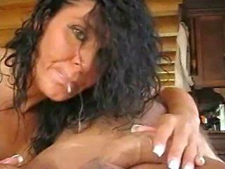 Schwarzhaariges Luder wird anal gefickt by snahbrandy