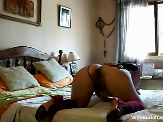 Masked wife homemade fuck
