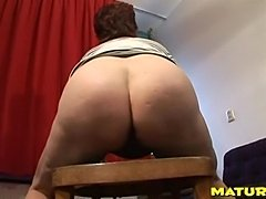 This mature big butt needs to be filled