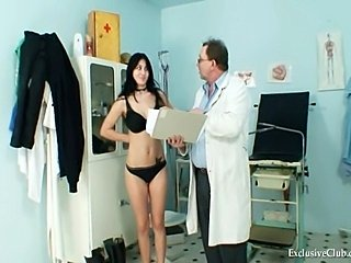 Busty brunette girl Adriana visiting her gyno doctor.She is speculum examinaed on gyno chaid at his kinkygyno clinic with lot os pussy gaping and pussy closeupdetails